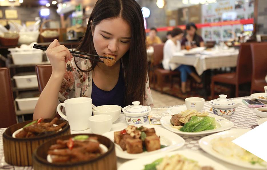热爱地方传统文化美食的Miss经常会到全国各地去品尝特色美食,像广东的早茶文化是她研究之一。