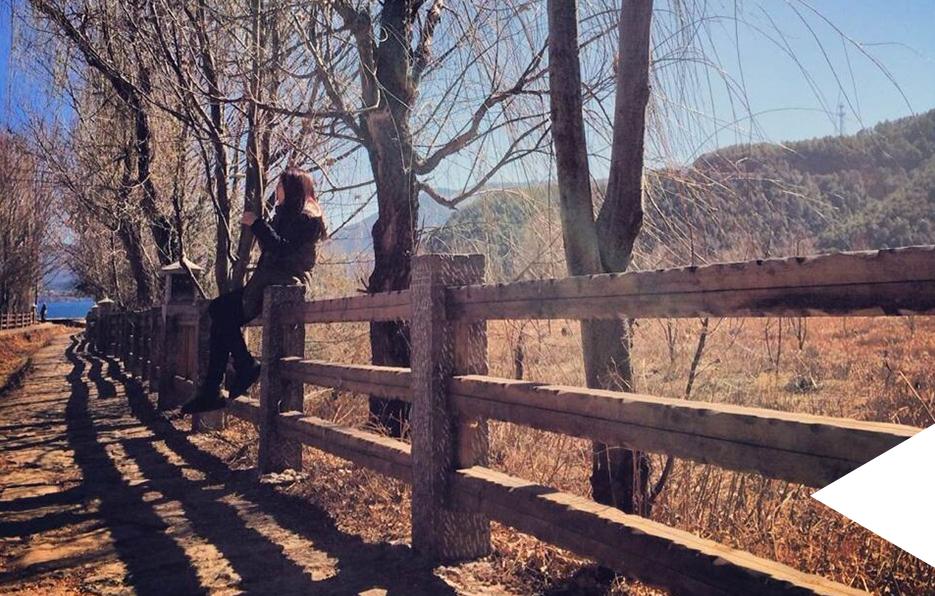 婧儿一年会去3~4次旅游,翻阅照片总会找到她在全国各地留下的痕迹。