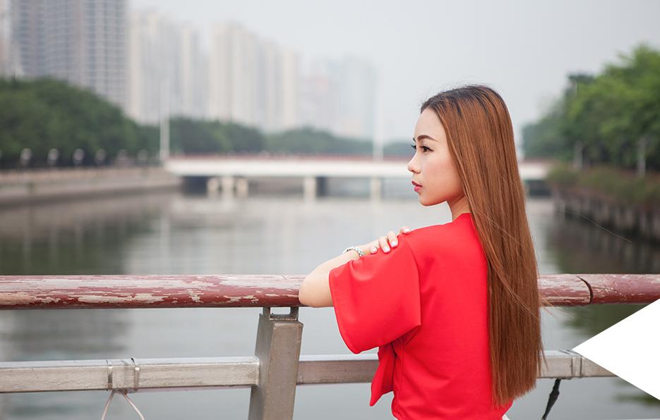 生活中总不缺乏美丽的景色,去走想走的路,活在当下,梦想简单而坚定。及时出发,任何时候都不算太晚。