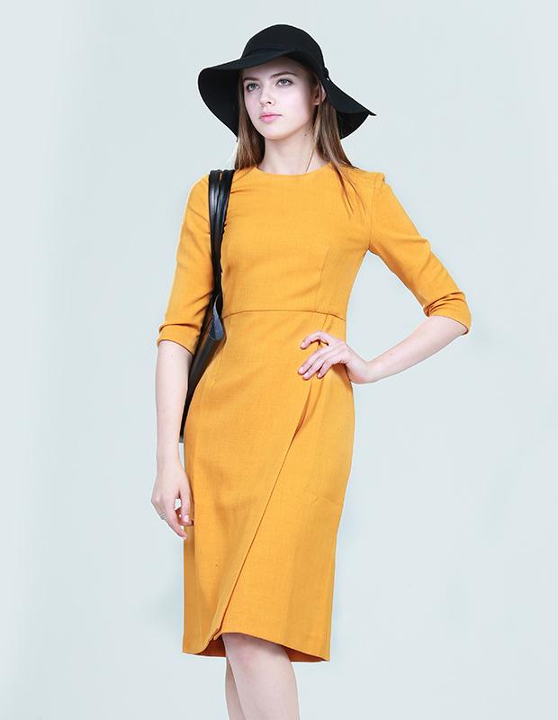 L-14229 简约剪裁中袖连衣裙