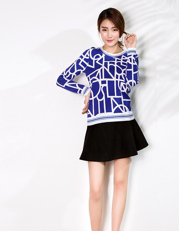 【伊霓裳】YCCW-1014 时尚几何提花撞色套头毛衣