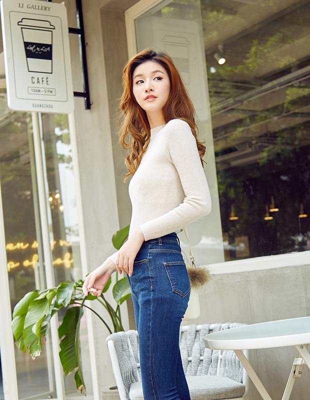【伊霓裳】服装积分兑换 YCCB-0010 极简修身小高领轻薄毛衫