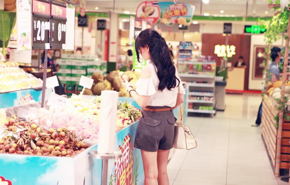 每天三餐,yan都会自己去超市买食材烹饪,确保饮食的健康。