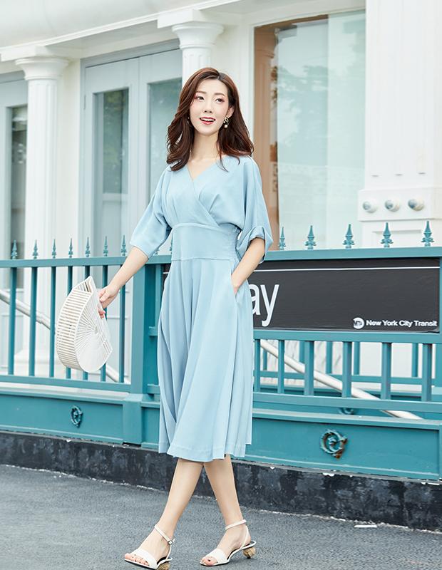 YYBJ-0030 复古V领高腰优雅连衣裙